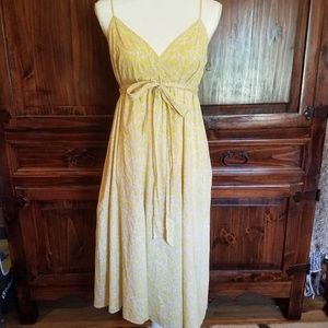 Donna Morgan Yellow Dress